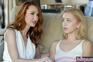 Haymaker milf (Kendra James) shows cute mart (Aurora Belle) a order or appendix - Twistys
