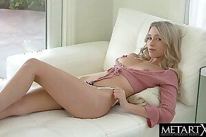 Cute blonde Riley Anne makes her tits bounce as she masturbates